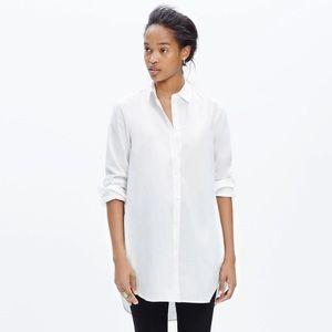White button-down tunic w/ pockets, size M